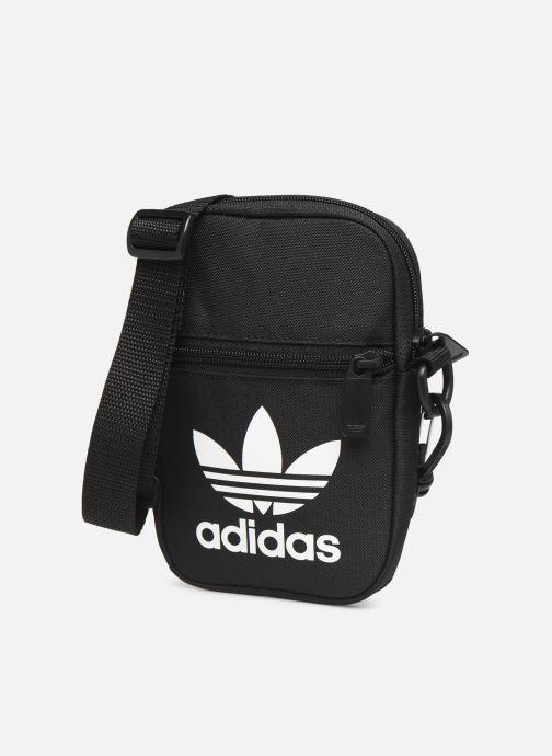 Herrentaschen adidas originals FEST BAG TREF schwarz schuhe getragen