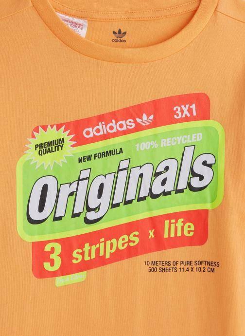 Vêtements adidas originals Graphic Tee J Orange vue portées chaussures
