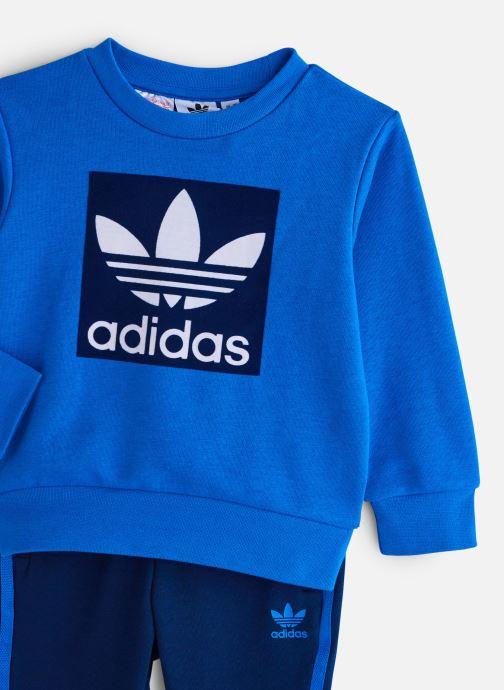 Vêtements adidas originals Crew Set K Bleu vue portées chaussures