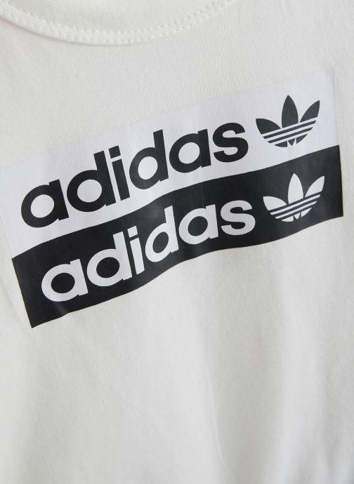 Vêtements adidas originals V-Cocal Short K Blanc vue portées chaussures