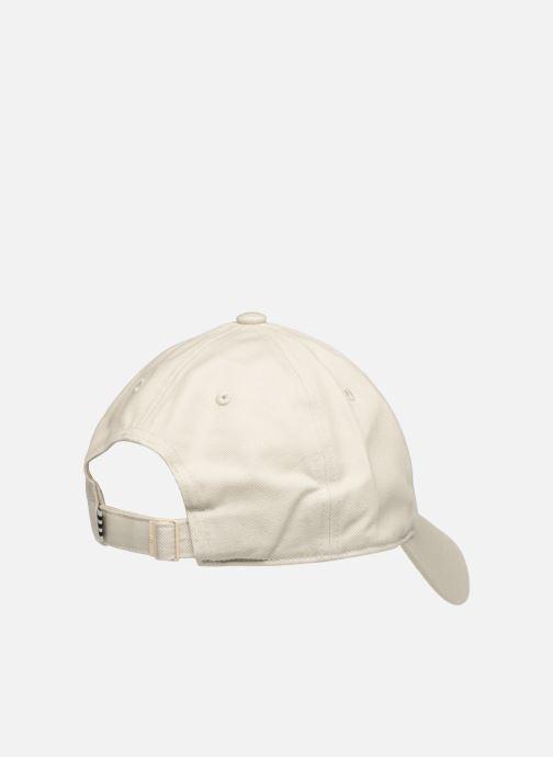 Gorra adidas originals STAN CAP Beige vista del modelo