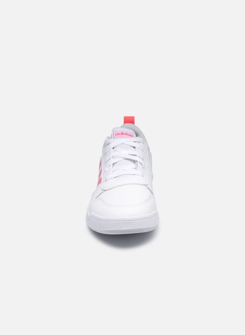 Sneakers adidas performance Tensaur K Bianco modello indossato