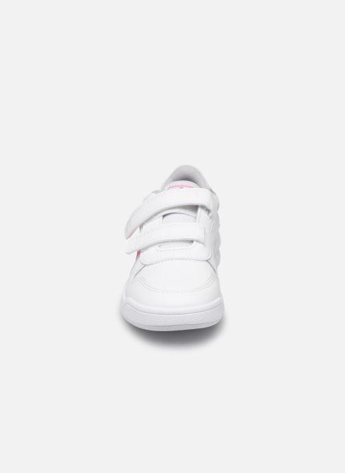 Sneakers adidas performance Tensaur C Bianco modello indossato