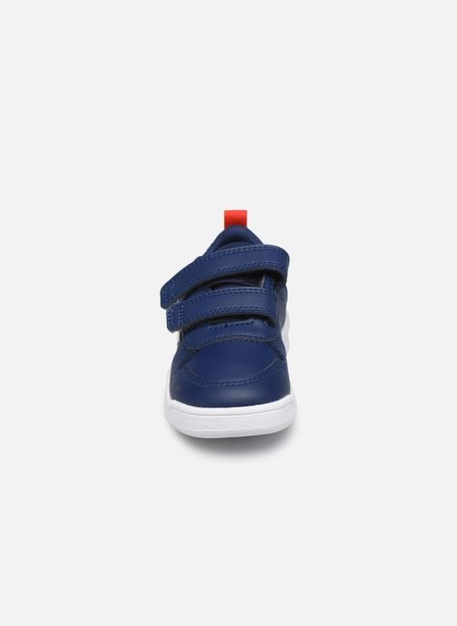 Sneakers adidas performance Tensaur I Azzurro modello indossato