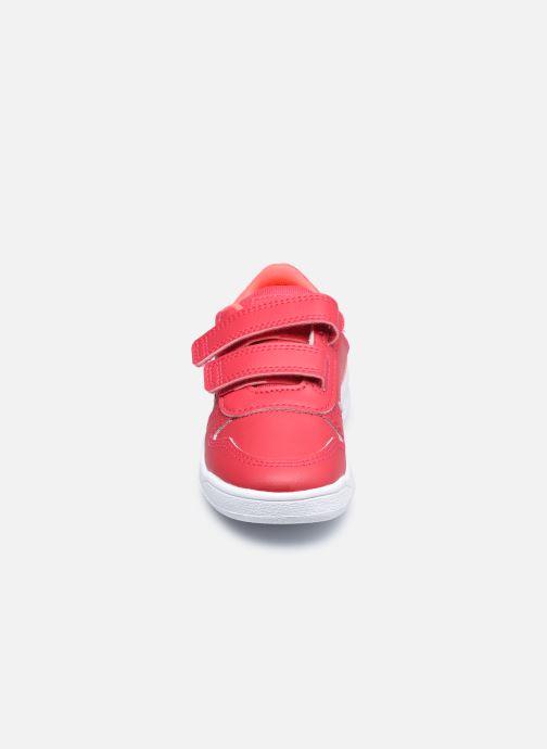 Sneakers adidas performance Tensaur I Rosa modello indossato