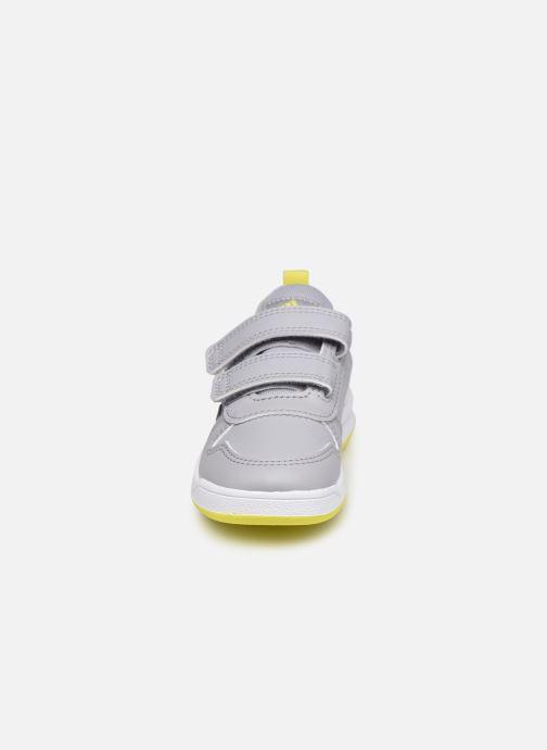 Sneaker adidas performance Tensaur I grau schuhe getragen