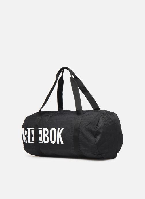 Sacs de sport Reebok W FOUND CYLINDER BAG Noir vue portées chaussures