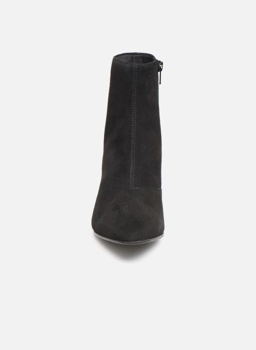Bottines et boots Vagabond Shoemakers OLIVIA  4817-140-20 Noir vue portées chaussures