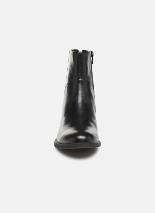 Bottines et boots Vagabond Shoemakers CARY  4620-101-20 Noir vue portées chaussures