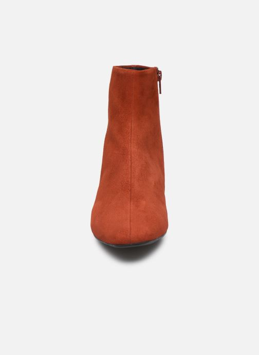 Stivaletti e tronchetti Vagabond Shoemakers JOYCE 4608-140-43 Rosso modello indossato