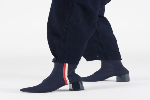 Bottines et boots Tommy Hilfiger KNITTED HEELED BOOT Bleu vue bas / vue portée sac
