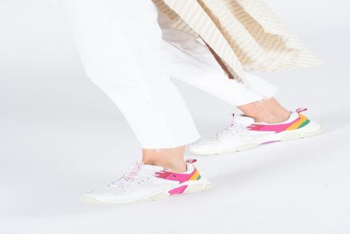 Sneaker Tommy Hilfiger WMNS POP COLOR CHUNKY SNEAKER mehrfarbig ansicht von unten / tasche getragen