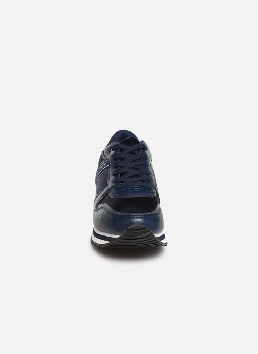 Baskets Tommy Hilfiger MIXED ACTIVE CITY SNEAKER Bleu vue portées chaussures