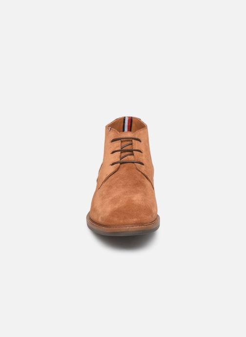 Bottines et boots Tommy Hilfiger ELEVATED MATERIAL MIX BOOT Marron vue portées chaussures