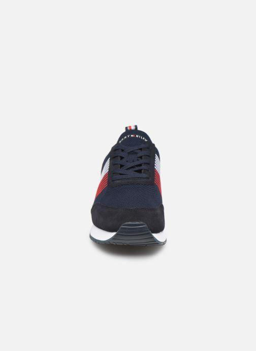 Baskets Tommy Hilfiger EVA KNIT RUNNER Bleu vue portées chaussures