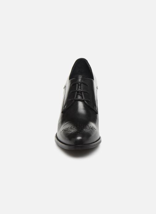 Chaussures à lacets Georgia Rose Suta Noir vue portées chaussures