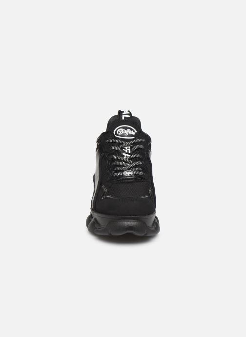Baskets Buffalo 1630190 Noir vue portées chaussures