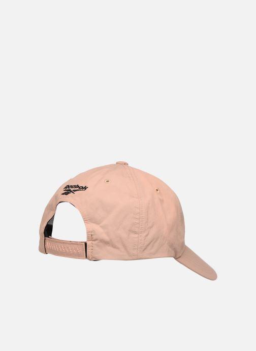 Kappe Reebok CL GIGI HADID CAP beige schuhe getragen
