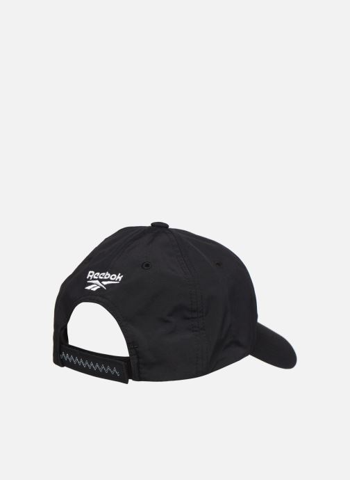 Gorra Reebok CL GIGI HADID CAP Negro vista del modelo