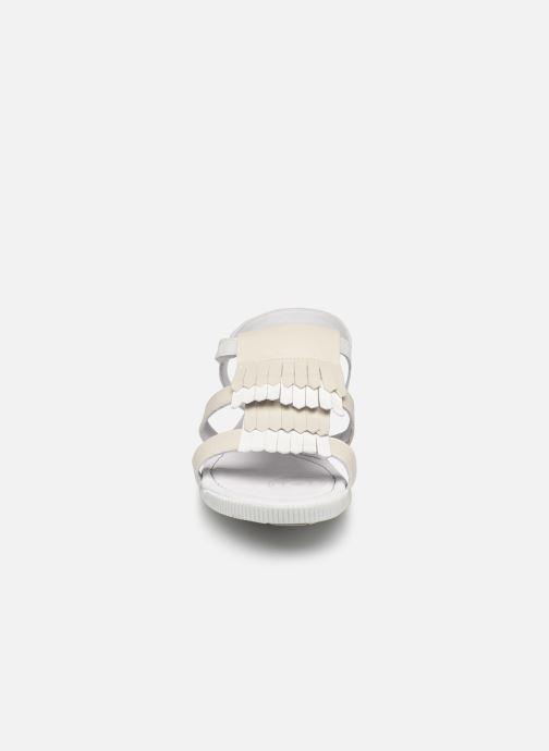 Sandales et nu-pieds Pataugas Candy/V F2C Blanc vue portées chaussures