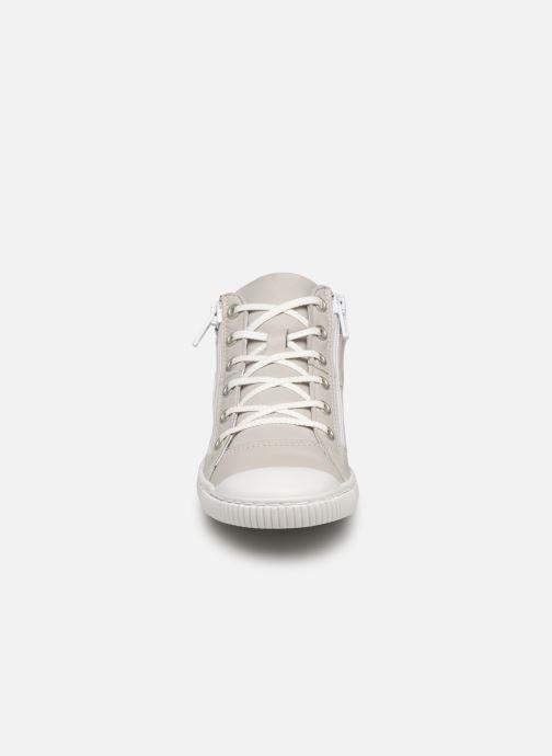 Sneaker Pataugas Bluff J2C grau schuhe getragen