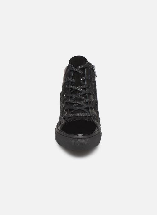 Baskets Pataugas Yonyx F4C Noir vue portées chaussures
