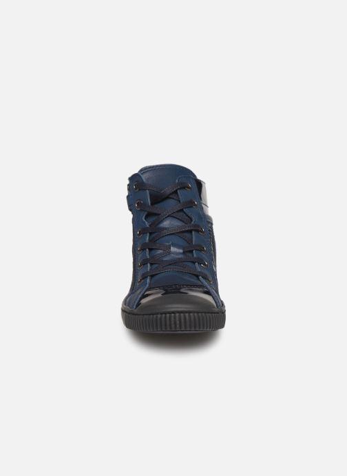 Sneakers Pataugas Bono/Ze J4C Azzurro modello indossato