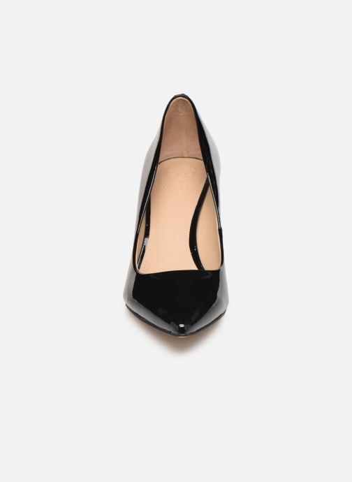 Zapatos de tacón Guess FL7B11PAT08 Negro vista del modelo