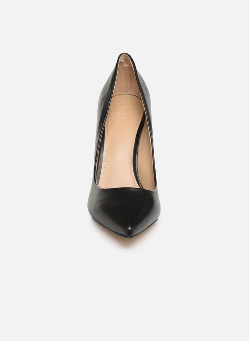 Zapatos de tacón Guess FL7OK6LEA08 Negro vista del modelo
