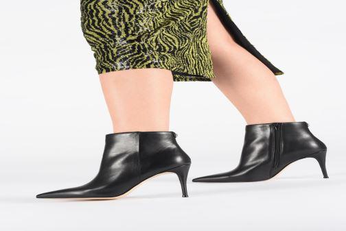Bottines et boots Guess FL7OLALEA10 Noir vue bas / vue portée sac