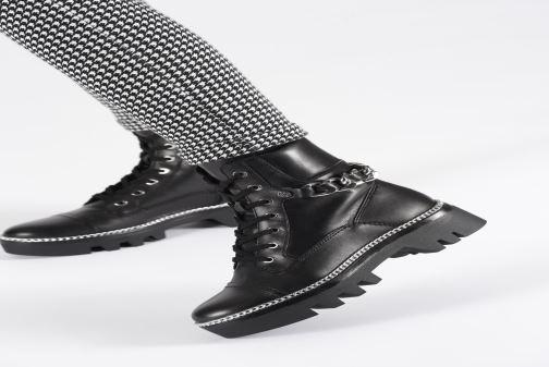 Bottines et boots Guess FL7DOMLEA10 Noir vue bas / vue portée sac