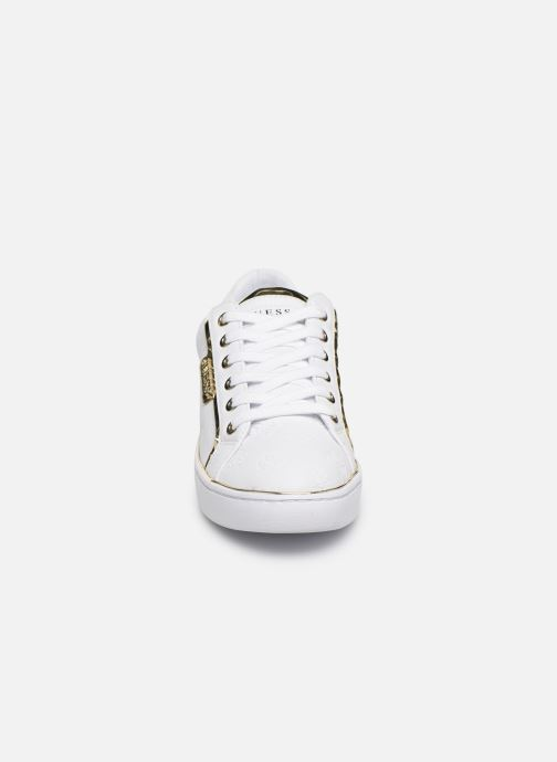 Baskets Guess FL7BANELE12 Blanc vue portées chaussures