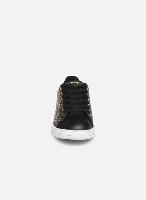Baskets Guess FL7CATELE12 Noir vue portées chaussures