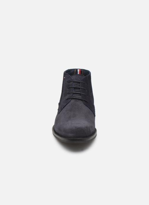 Bottines et boots Tommy Hilfiger SIGNATURE HILFIGER SUEDE BOOT Bleu vue portées chaussures