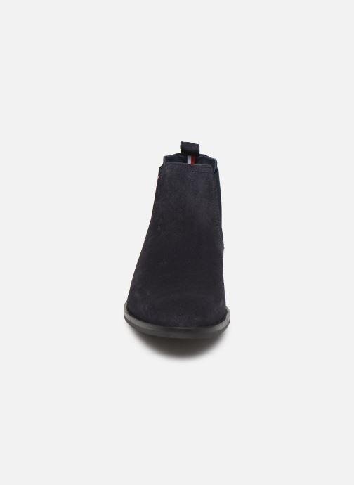 Bottines et boots Tommy Hilfiger SIGNATURE HILFIGER SUEDE CHELSEA Bleu vue portées chaussures