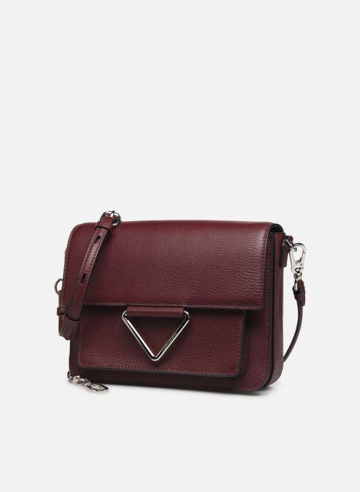 Sacs à main Karl Lagerfeld K/VEKTOR SHOULDER BAG Bordeaux vue portées chaussures