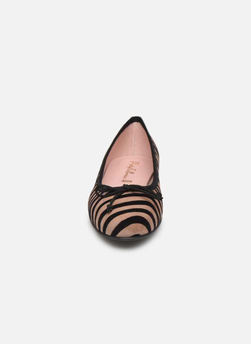 Ballerines Pretty Ballerinas 37650 Beige vue portées chaussures