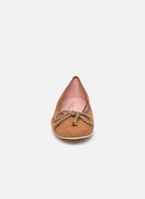 Ballerines Pretty Ballerinas 35663 Marron vue portées chaussures