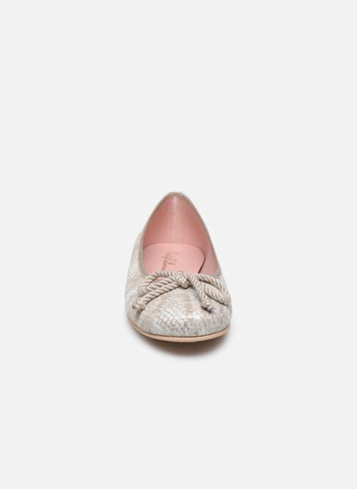 Ballerines Pretty Ballerinas 35663 Argent vue portées chaussures