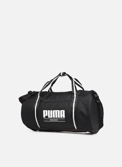 Borsa da palestra Puma WMN CB BARREL BAG Nero modello indossato