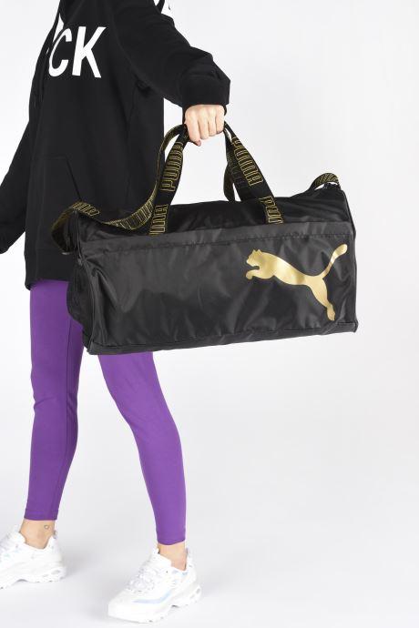 Sacs de sport Puma AT ESS BARREL BAG Noir vue bas / vue portée sac