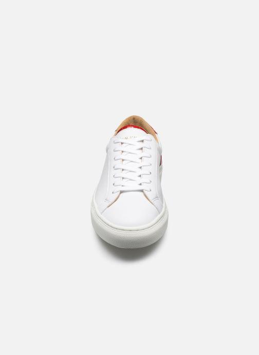 Sneakers Canal St Martin EUGENE Bianco modello indossato
