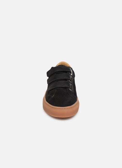 Sneakers Canal St Martin MALTE Nero modello indossato