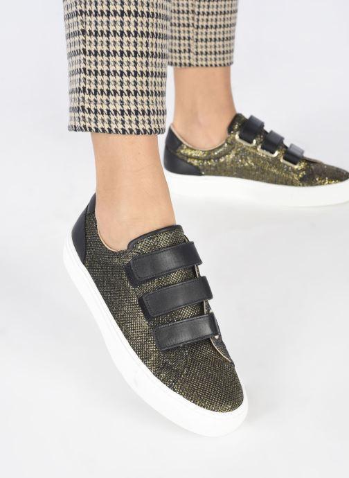 Sneaker Canal St Martin MALTE gold/bronze ansicht von unten / tasche getragen