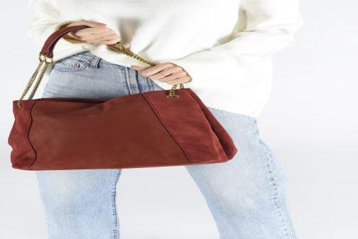Handtaschen Nat & Nin Hortense schwarz ansicht von unten / tasche getragen
