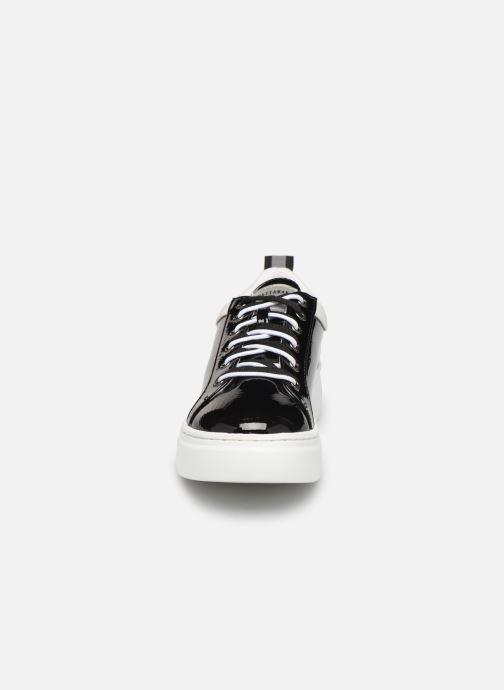 Baskets Chattawak CAROLE Noir vue portées chaussures