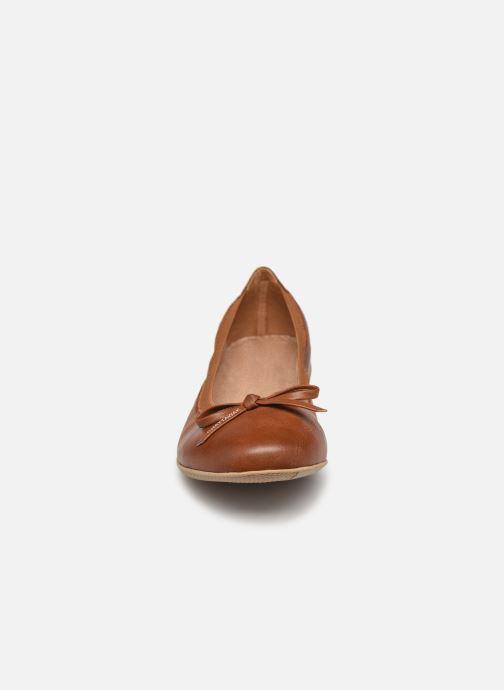 Ballerines Chattawak ELLA Marron vue portées chaussures