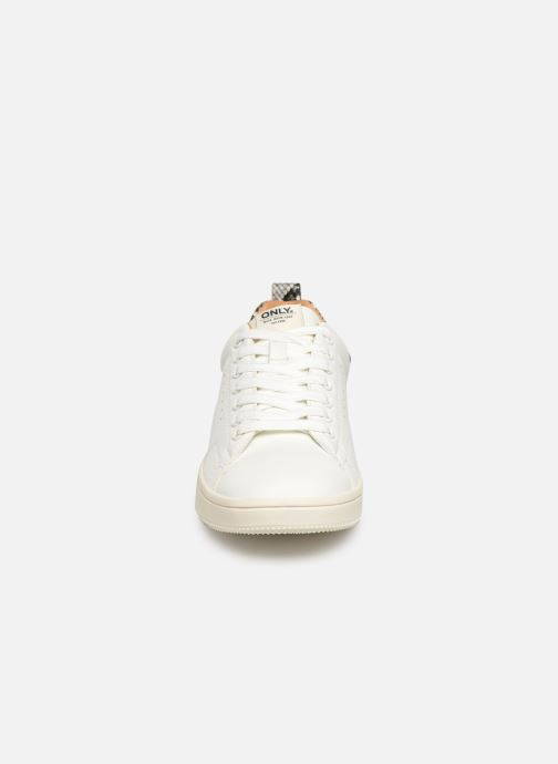 Baskets ONLY ONLSHILO SNAKE  SNEAKER  15184166 Blanc vue portées chaussures