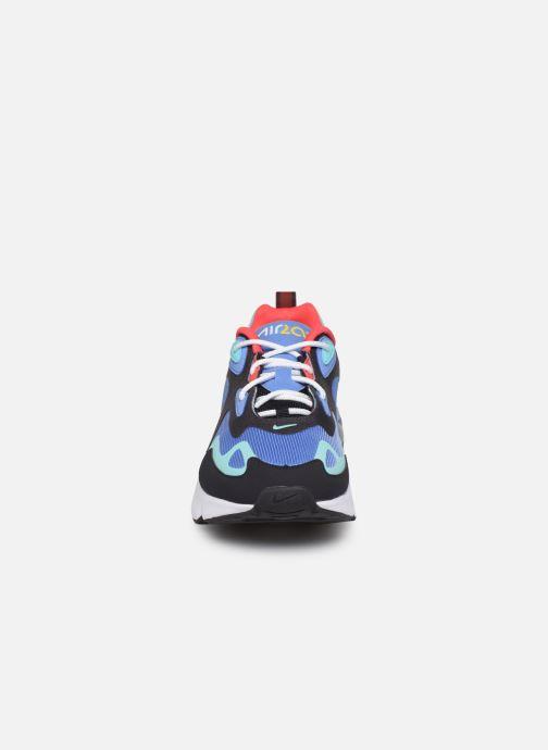 Deportivas Nike Air Max 200 Azul vista del modelo