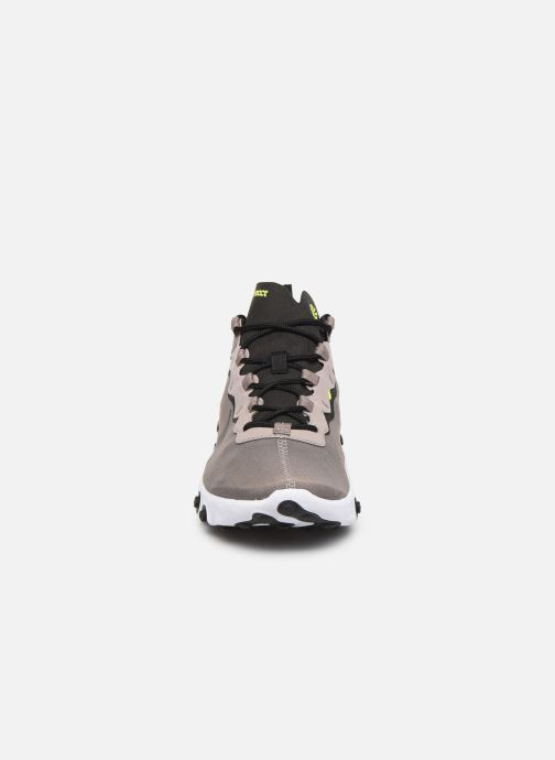 Sneakers Nike Nike React Element 55 Brun bild av skorna på